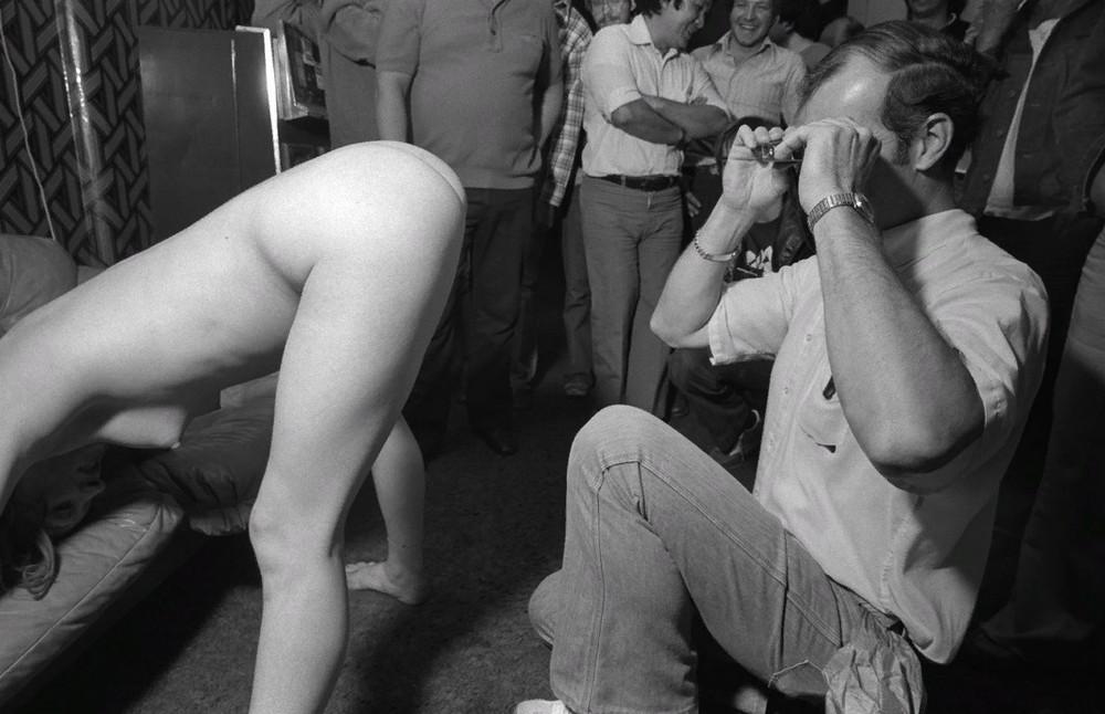 Стриптиз-клубы Чикаго 70-х годов на фото Майкла Абрамсона