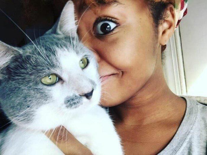 Странные вещи, которые тайно делают все владельцы котов