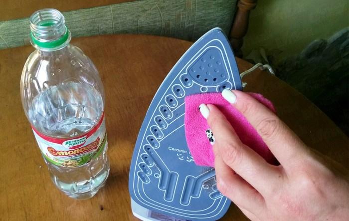Способы очистить утюг от нагара