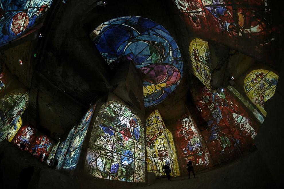 Экскурсия в каменоломни Карьер Огней на юге Франции