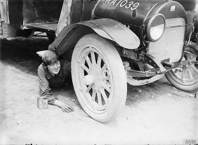 Женщины были водителями и автомеханиками во время Первой мировой войны