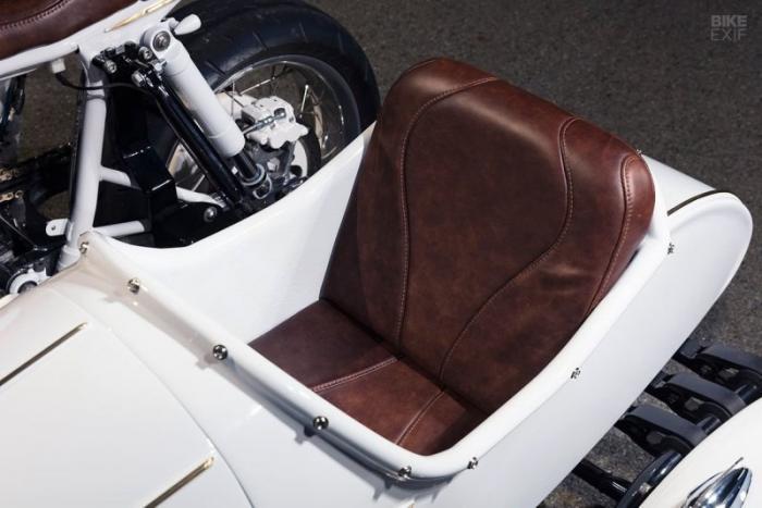 Кастом-байк Triumph Scrambler с коляской от Purpose Built Moto