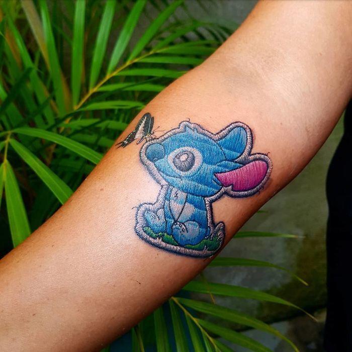 Модные татуировки в виде вышивки