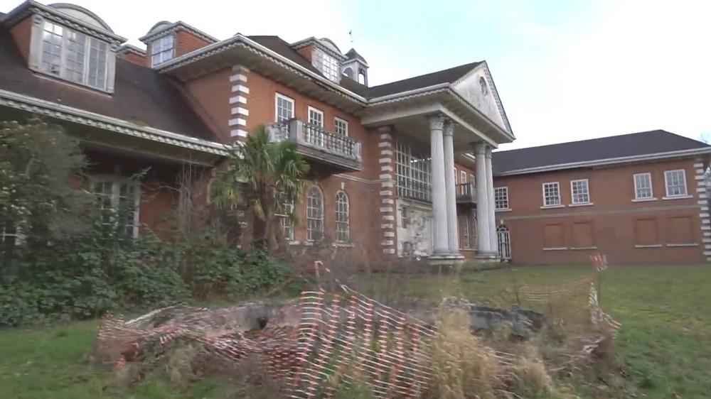 Дорогие особняки в Лондоне стоят заброшенными