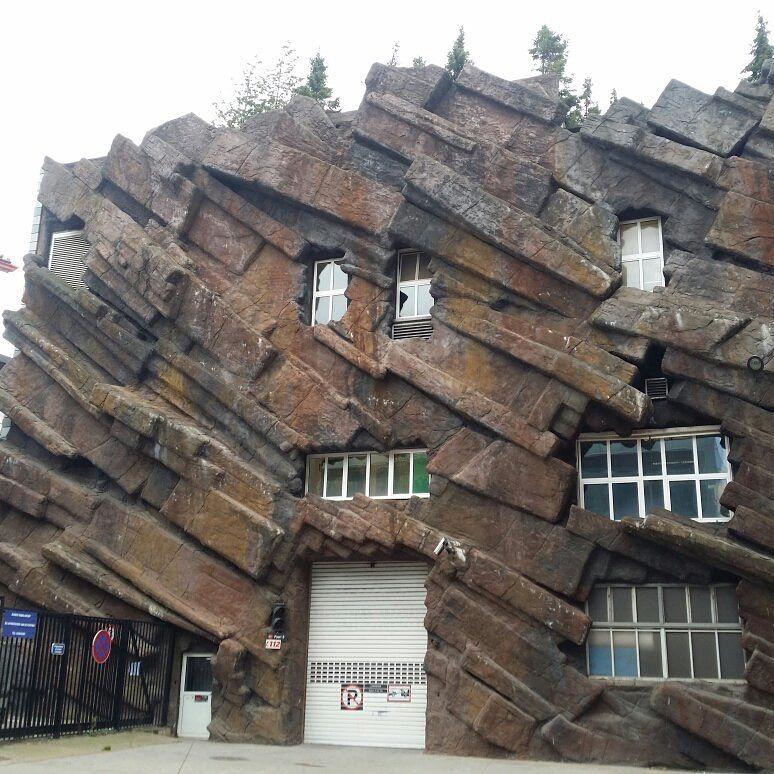 Бельгия удивляет множеством причудливых зданий
