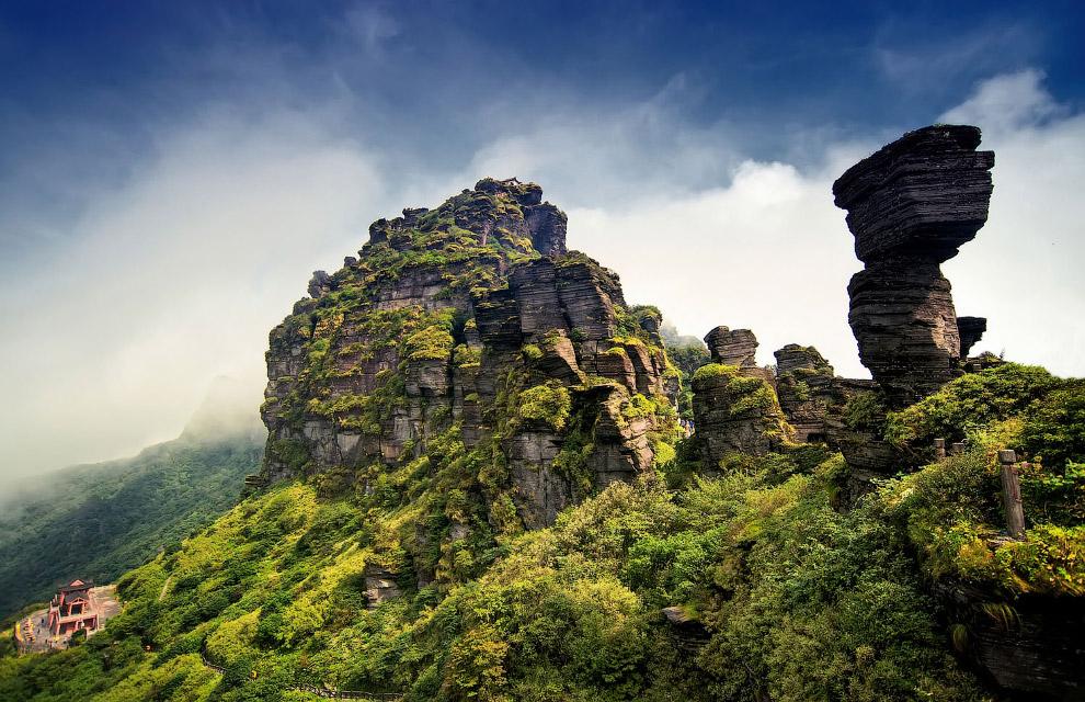 Удивительная гора Фаньцзиншань в провинции Гуйчжоу