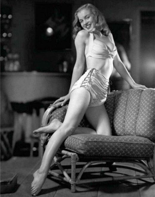 Подборка архивных фото знаменитых женщин
