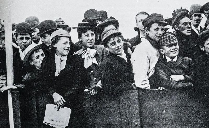 Üdülés a brit strandokon az 1890-es években