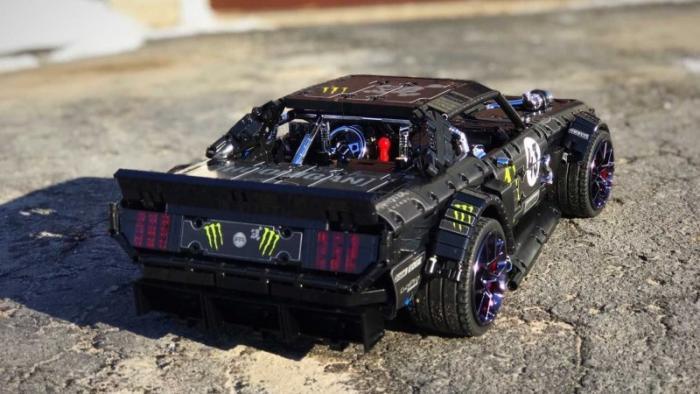 Копия Ford Mustang Кена Блока из деталей конструктора Lego
