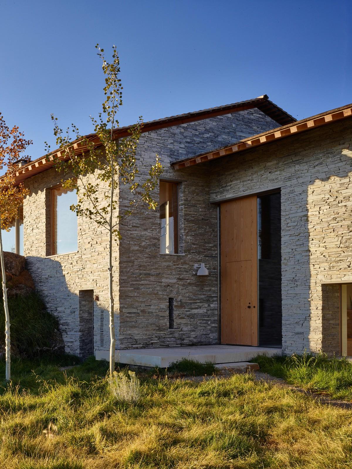 Современный каменный дом в штате Вайоминг