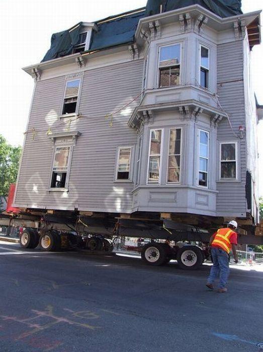 Транспортировка целых домов