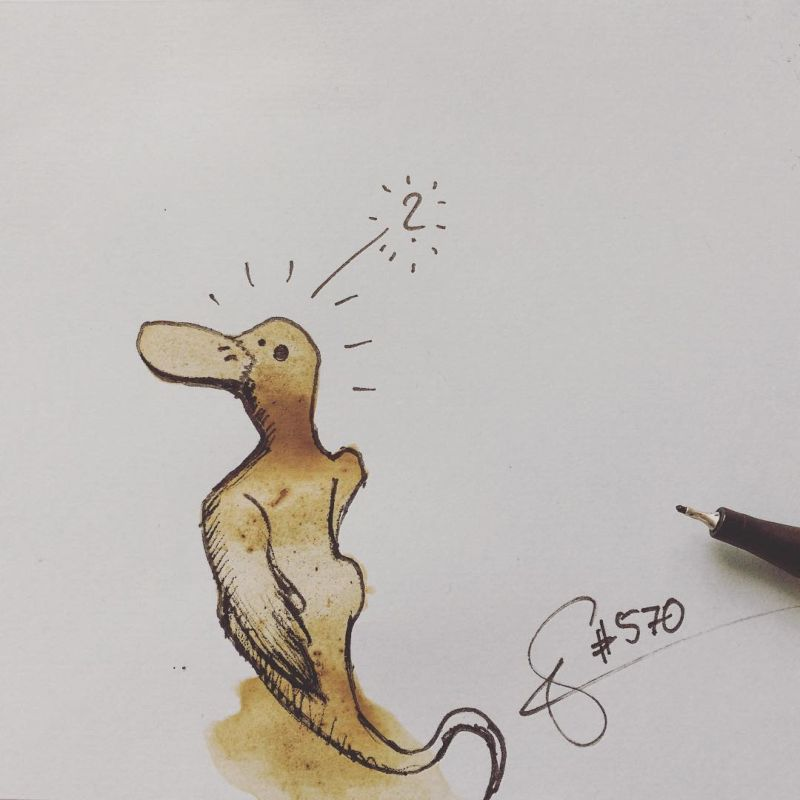 Художник превращает пятна от кофе в забавных монстров