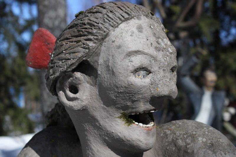 Жутковатый парк скульптур от Вейё Рёнккёнэна