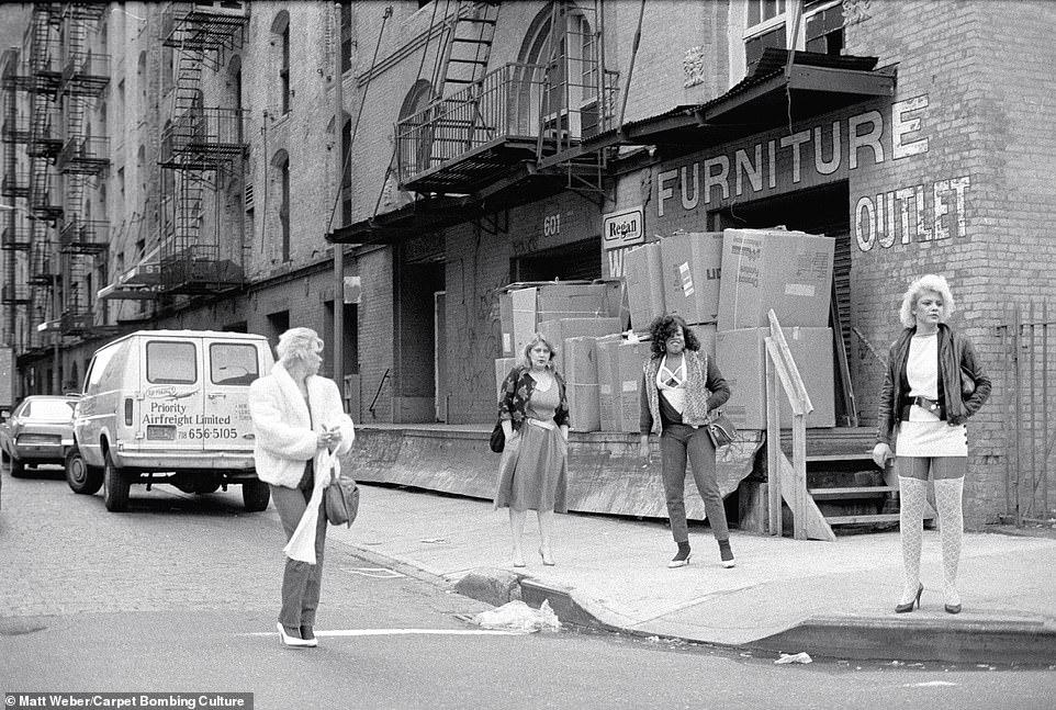 Нью-Йорк 1980-х на снимках таксиста, ставшего фотографом