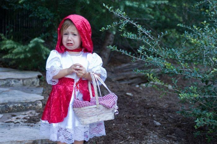 Детки в забавных костюмах