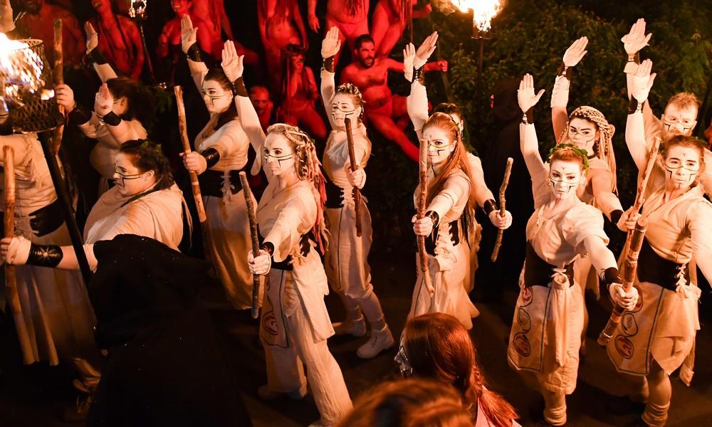 Ежегодный фестиваль огня в Шотландии