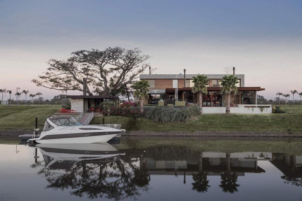 Роскошная резиденция на берегу реки в Бразилии
