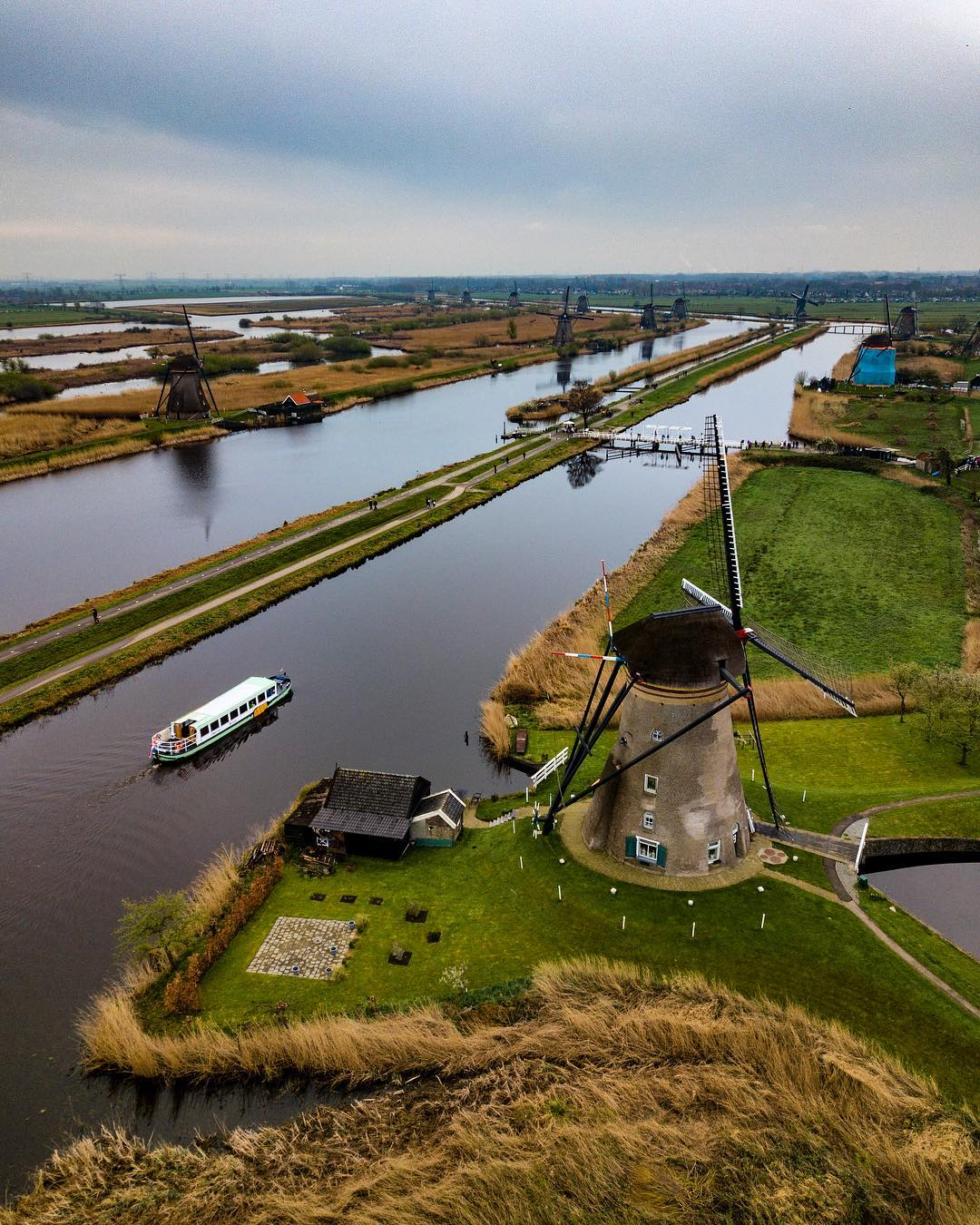 Нидерланды с высоты на аэрофотоснимках Эрика Крюгерса