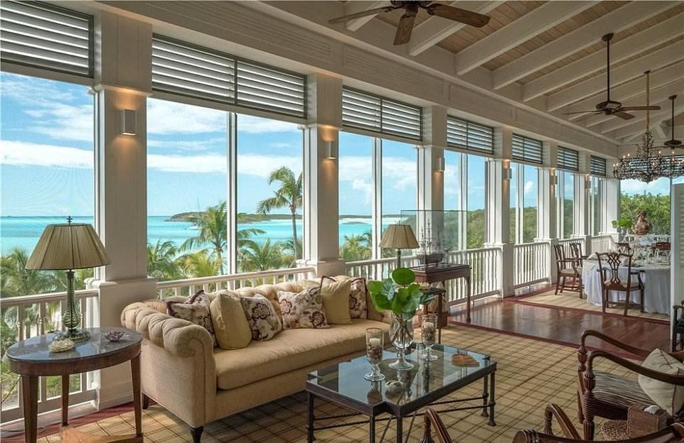 В Карибском бассейне продаётся шикарный остров и вилла