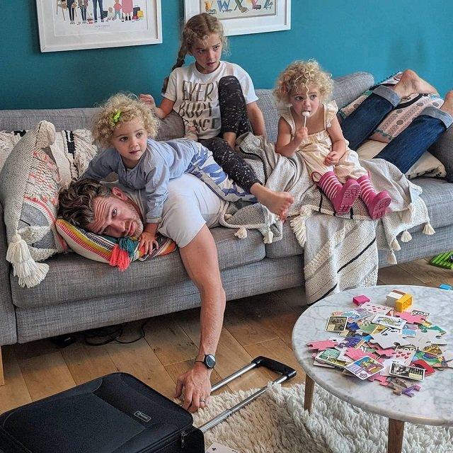 Instagram-аккаунт о суровых буднях отца четверых дочек