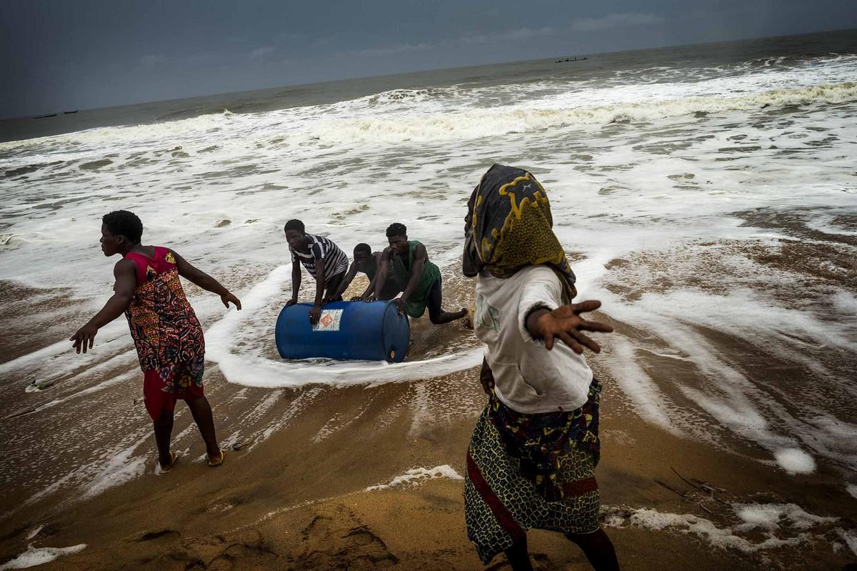 Черный рынок топлива в Того и Бенине