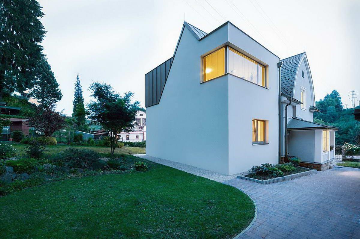 Сельский дом в Чехии получил современное дополнение