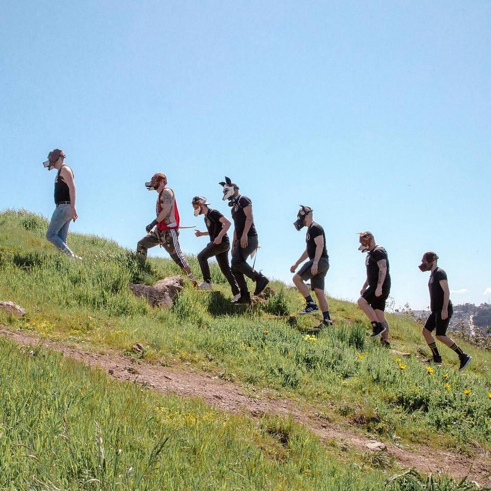 Субкультура Pup play в Сан-Франциско, участники которой ведут себя как собаки