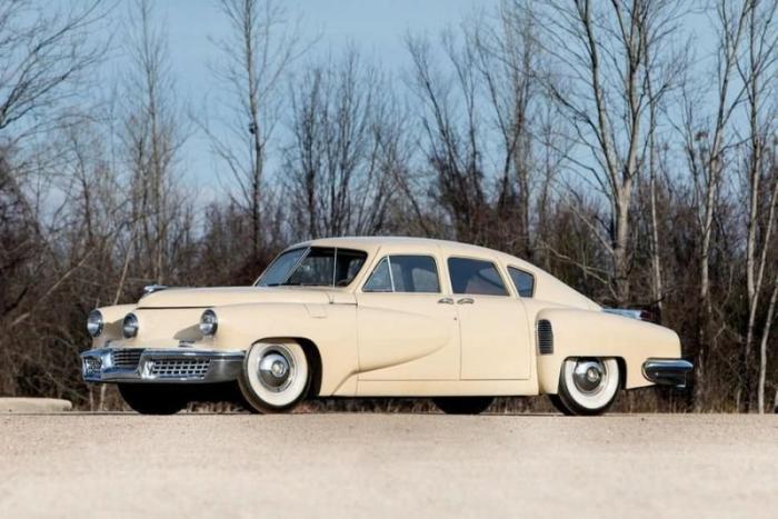 Автомобили из закрытого музея, которые продадут на на аукционе