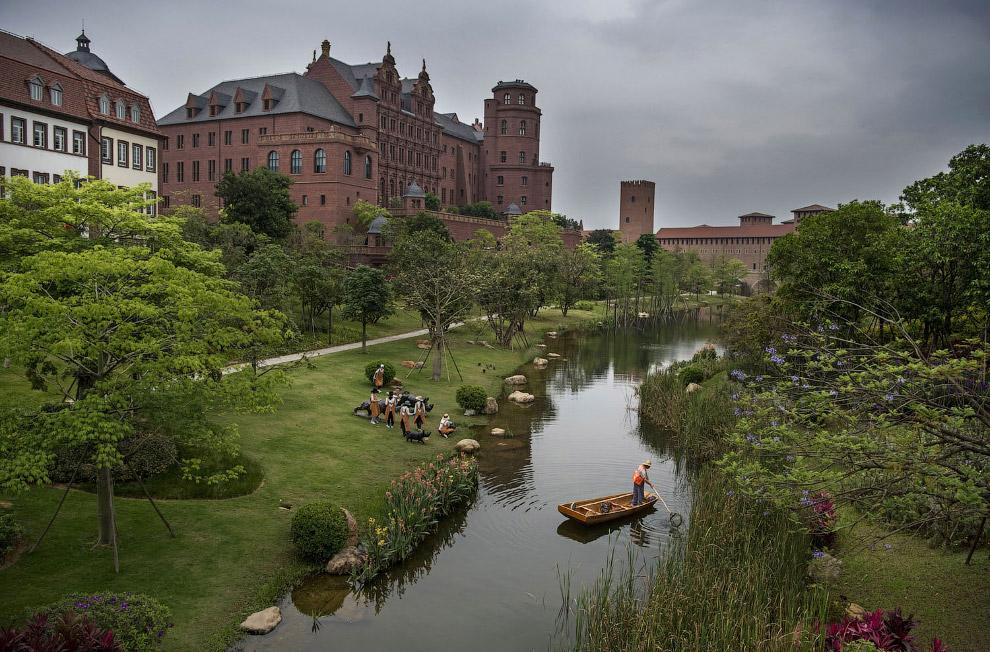 Кампус Huawei с копиями мировых достопримечательностей в Китае