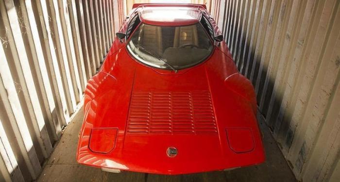 Lancia Stratos простоял больше 20 лет в морском контейнере
