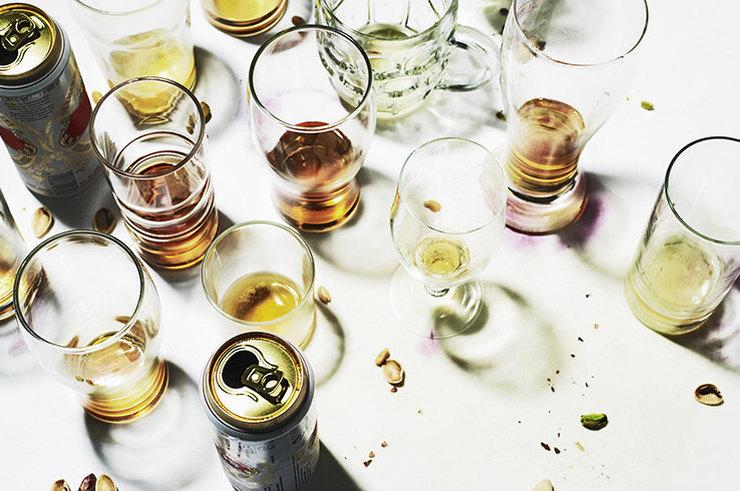 Почему лучше не смешивать алкоголь и отношения