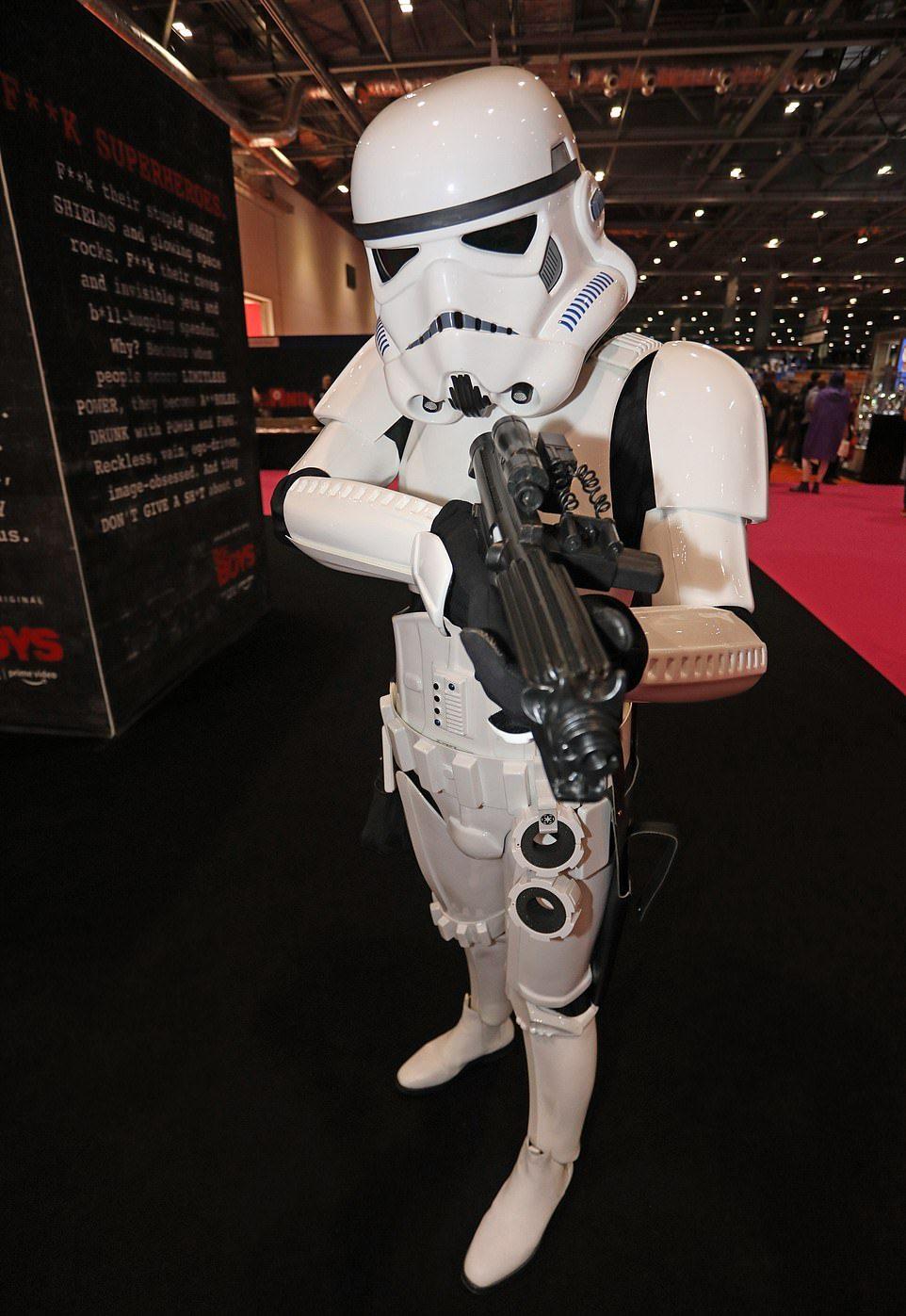 Тысячи косплееров собрались на Comic Con в Лондоне