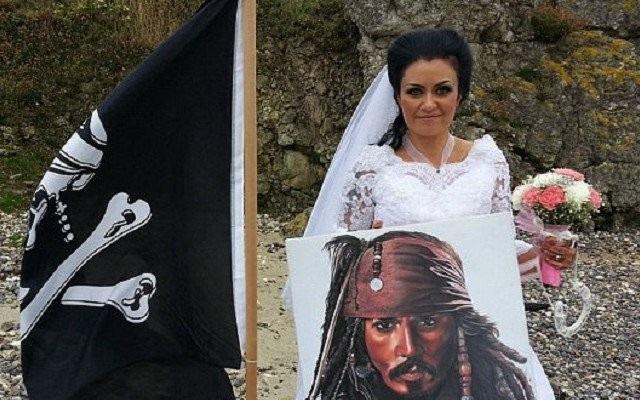 Ирландка вышла замуж за 300-летнего призрака пирата и чуть не умерла
