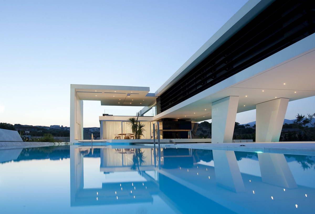 Роскошный дом-яхта в Афинах