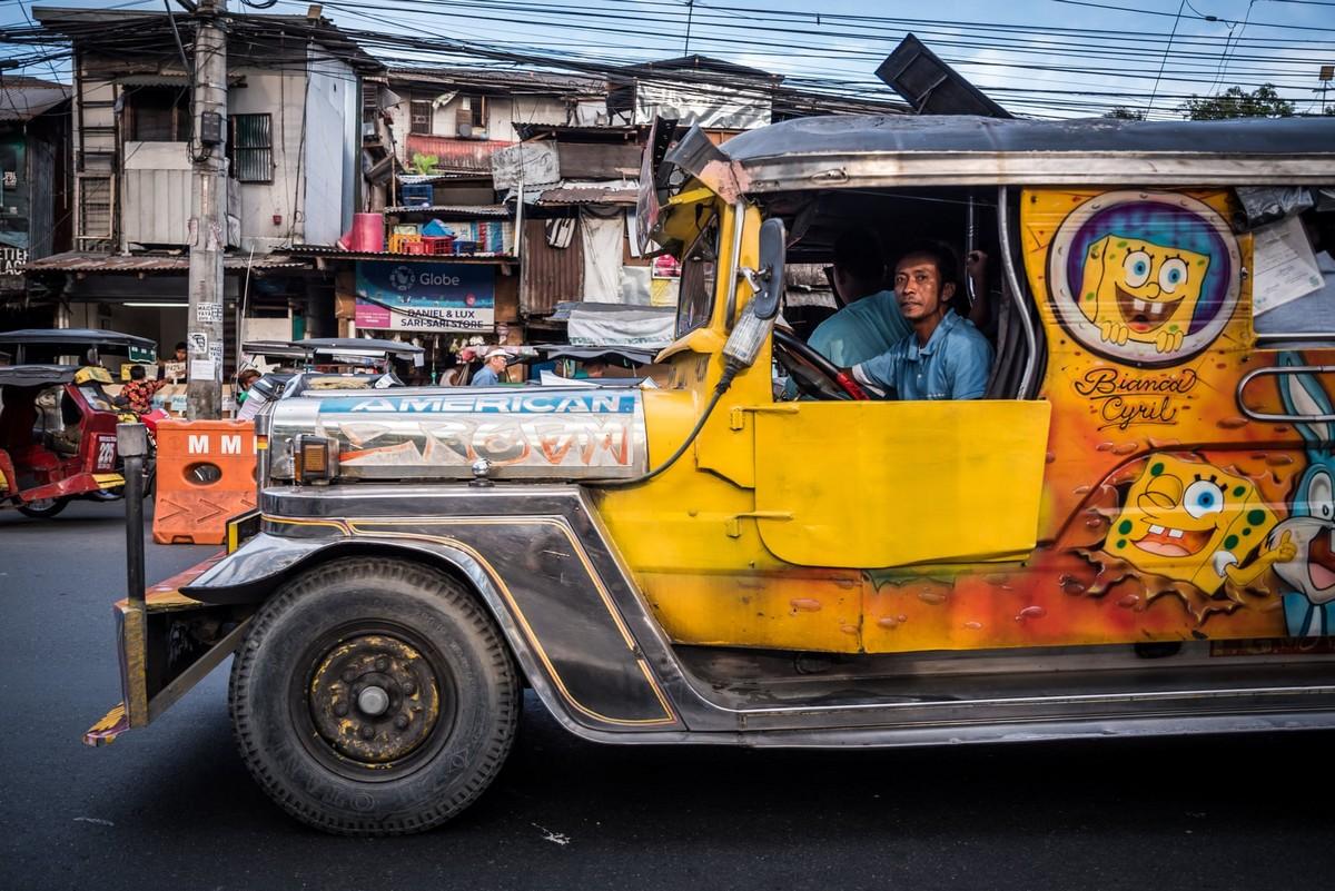 Филиппинские джипни решили убрать с дорог