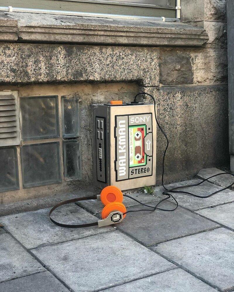 Забавный пиксельный арт на улицах городов
