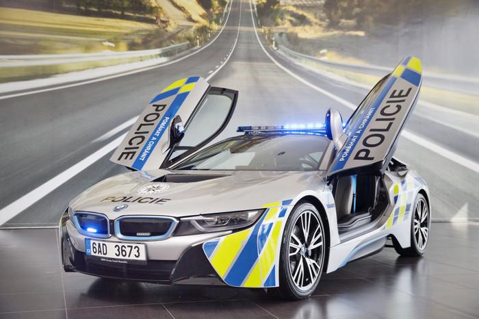 Элитные полицейские автомобили в разных странах мира