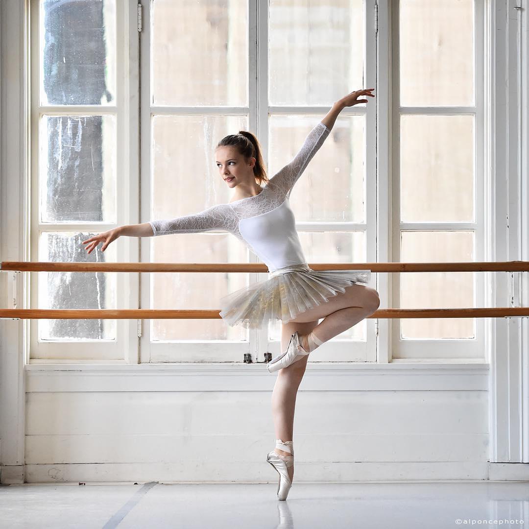 Величественные портреты балерин от Альваро Понсе