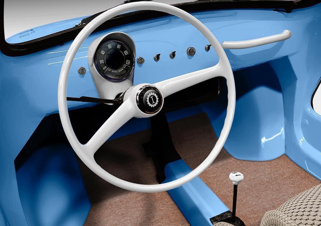 Fiat 500 переделали в ретроэлектромобиль