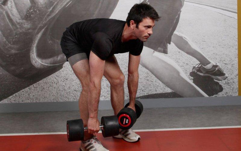7 наиболее эффективных упражнений с гантелями