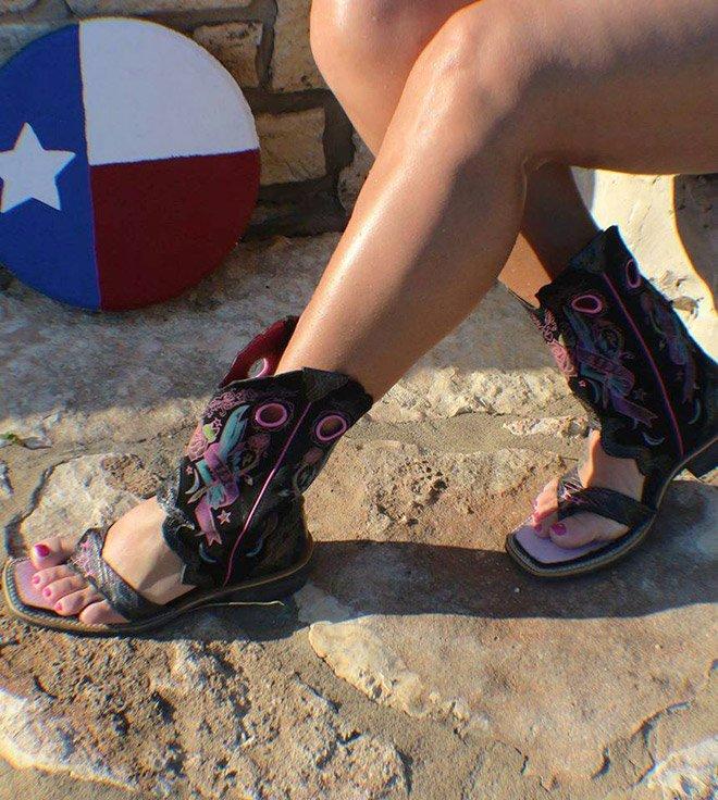 Странные летние ковбойские сапоги-сандалии