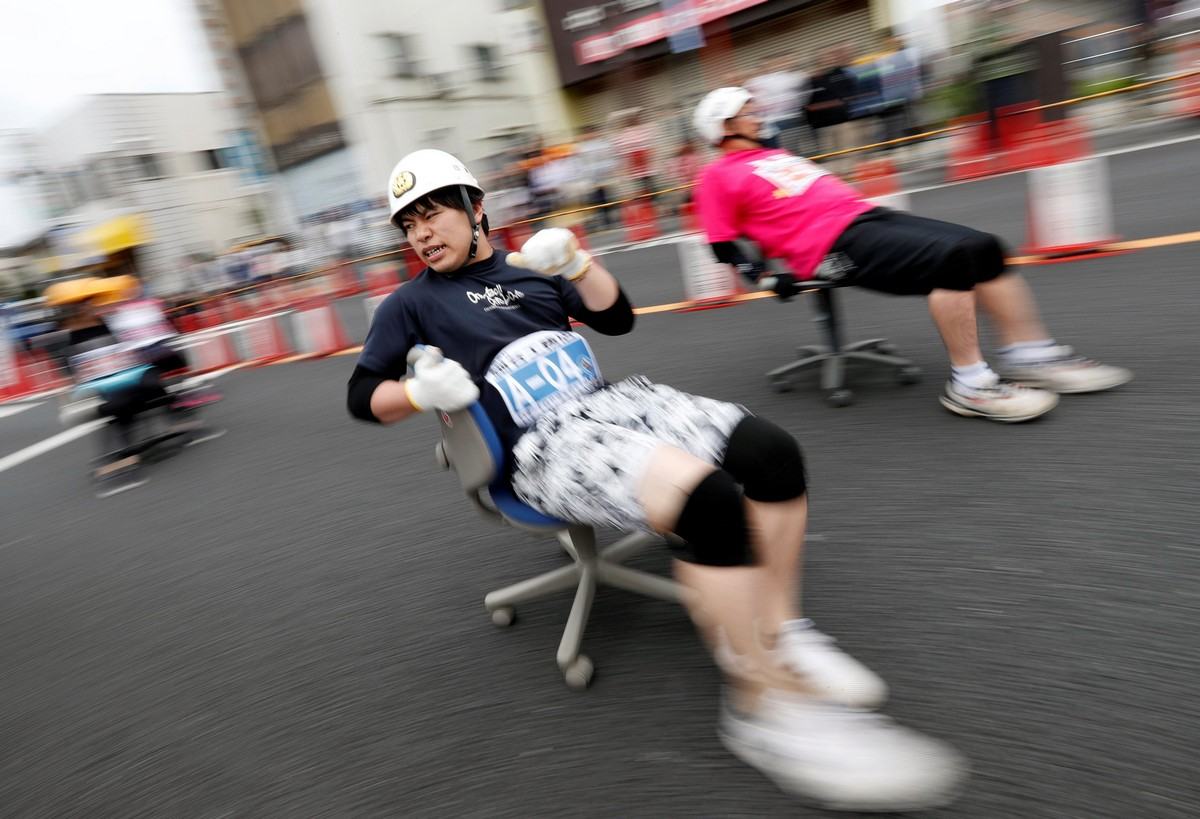 Гонка на офисных креслах ISU-1 Hanyu Grand Prix в Японии
