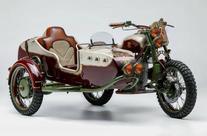 Американцы сделали уникальный мотоцикл Урал с российским гербом