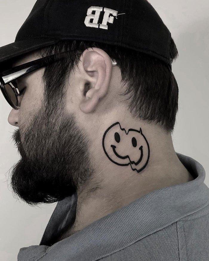 Татуировки на шее от мастеров