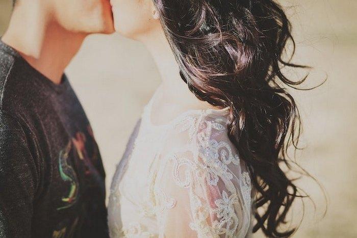 Как различается культура поцелуев в разных странах мира