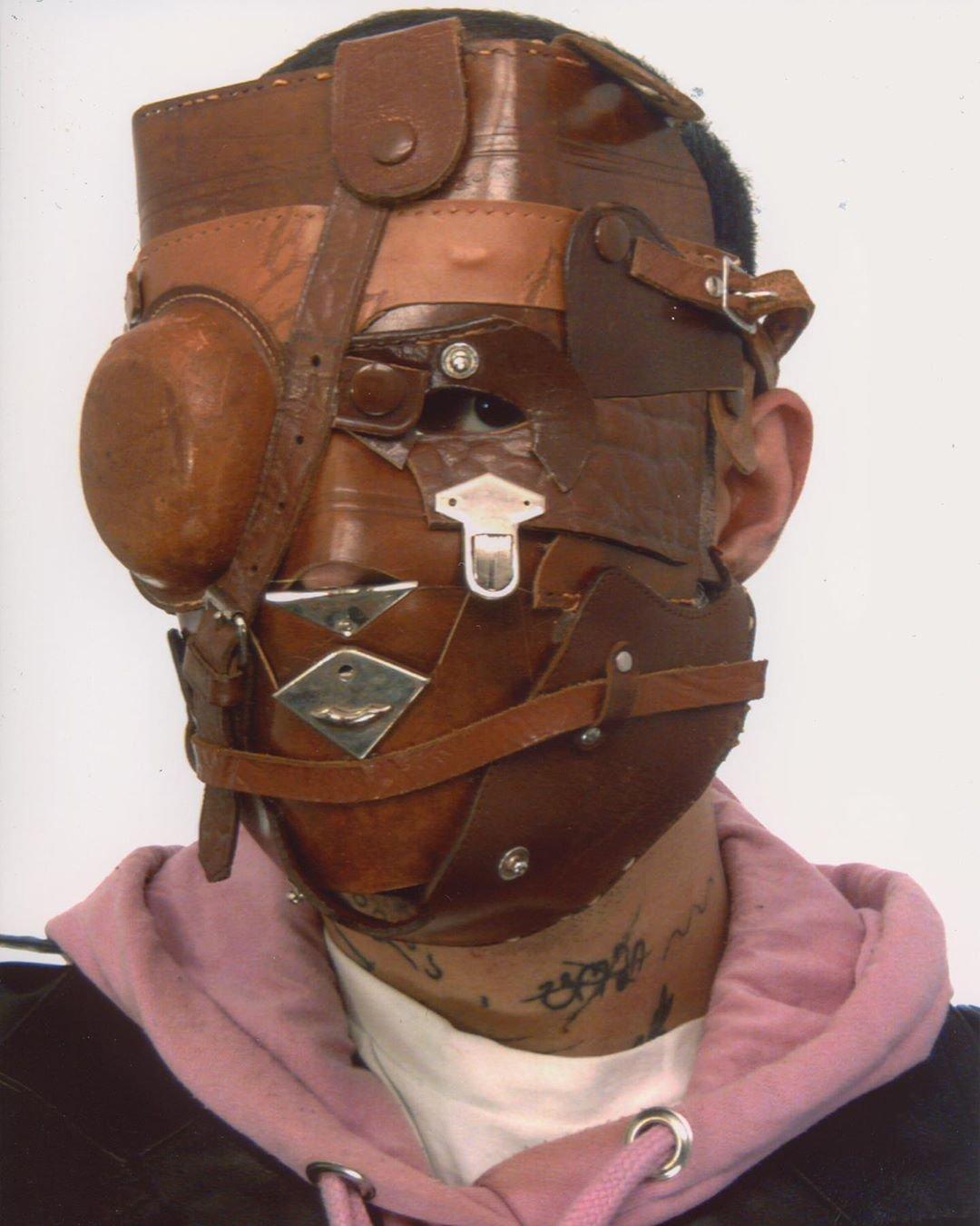 Очень странные маски из всего подряд