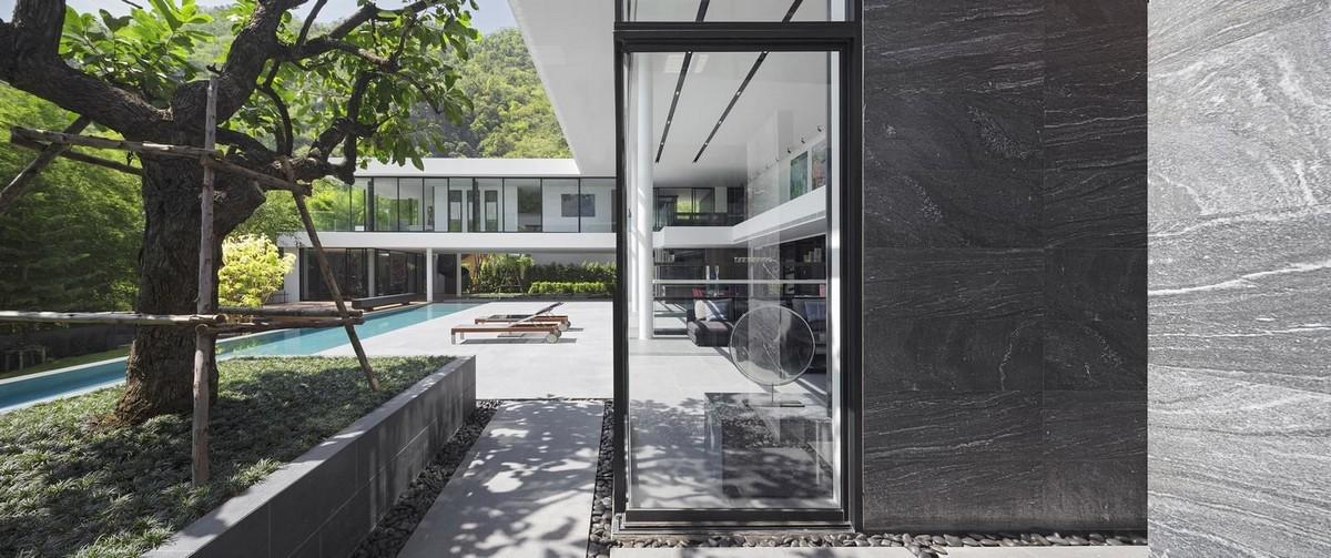 Роскошная вилла с художественной галерей и большим гаражом в Таиланде