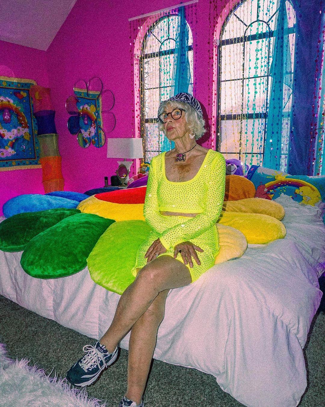 90-летняя звезда Instagram Бадди Винкл