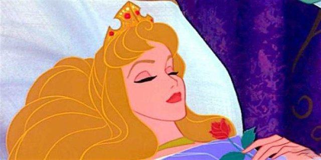Девушки примеряют образ диснеевских принцесс