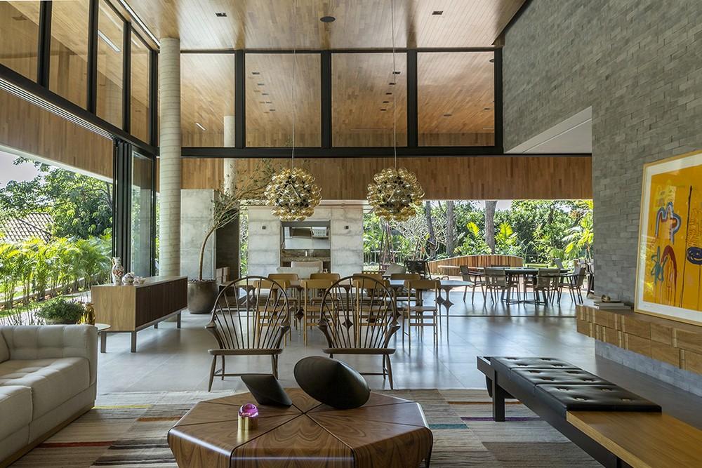Очень необычный дом в Бразилии